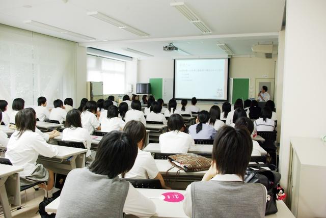 生活情報専攻体験授業.JPG