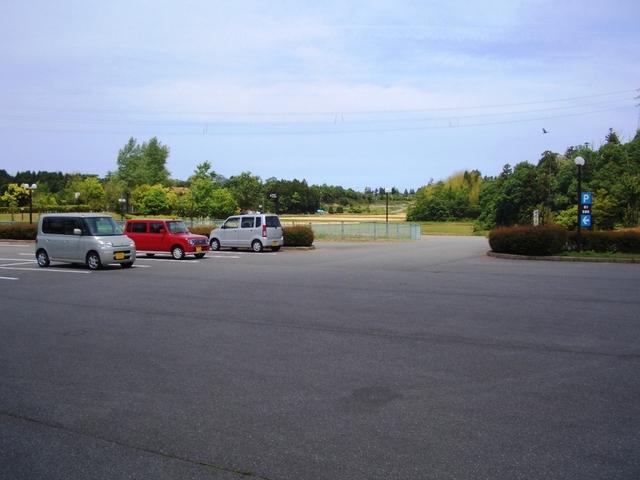 トリムパークかなづ」第3駐車場(写真)