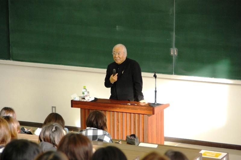 服部幸應先生の公開授業の様子(写真その2)