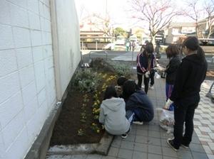 仁愛女子短期大学の花壇、まもなく完成!