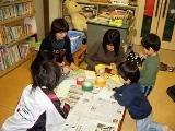 森田公民館での読み聞かせの様子