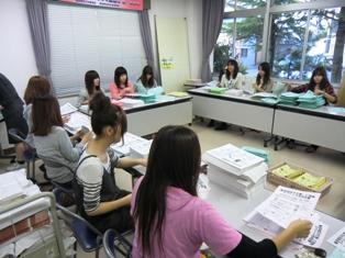 森田公民館での作業の様子