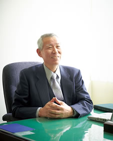 学長の写真